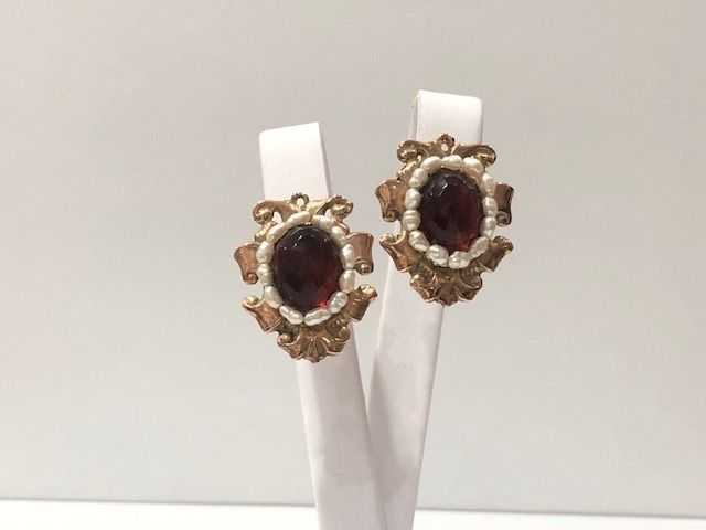 8 kt. Gold - Earrings Garnet - Pearls