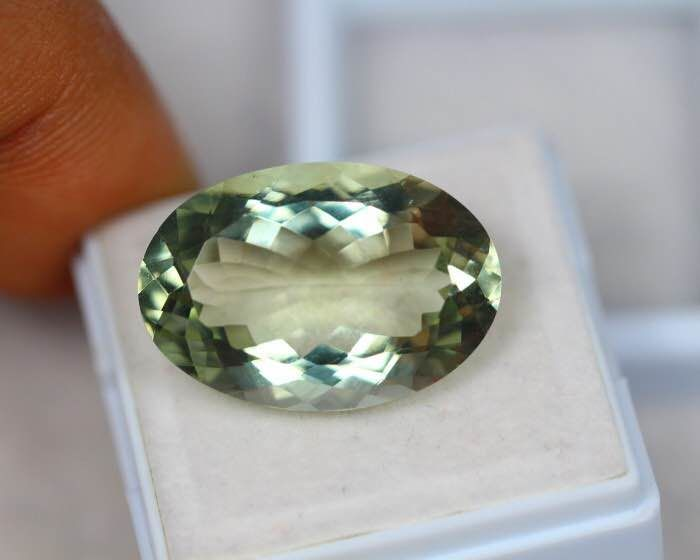 Light Green  Prasolite Quartz - 15.75 ct