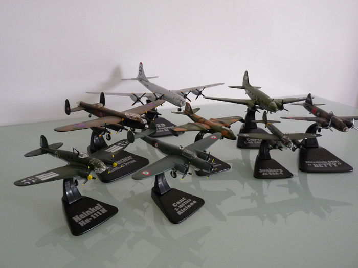 Atlas - Miniature, Model, Plane, Scale model, Lot of 8 miniature planes of the Second World War (8) - Alloy, Plastic, Resin/Polyester