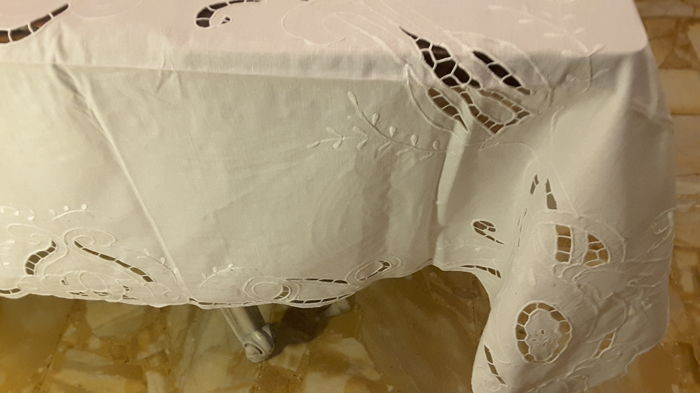 tablecloth with napkins - Linen