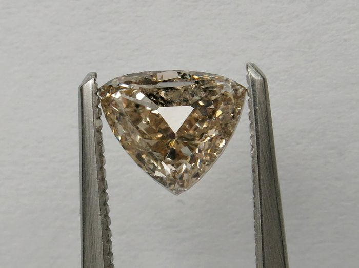Diamant - 1.00 ct - Trilliant - fancy pinkish brown - I1