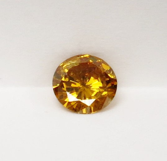 Diamant - 0.67 ct - Rond - fancy vivid orangy yellow - P1