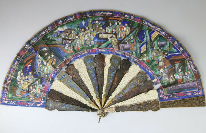 Fan - Cloisonne enamel, Filigree, Ivory, Silk, Tortoiseshell - China - 19th century