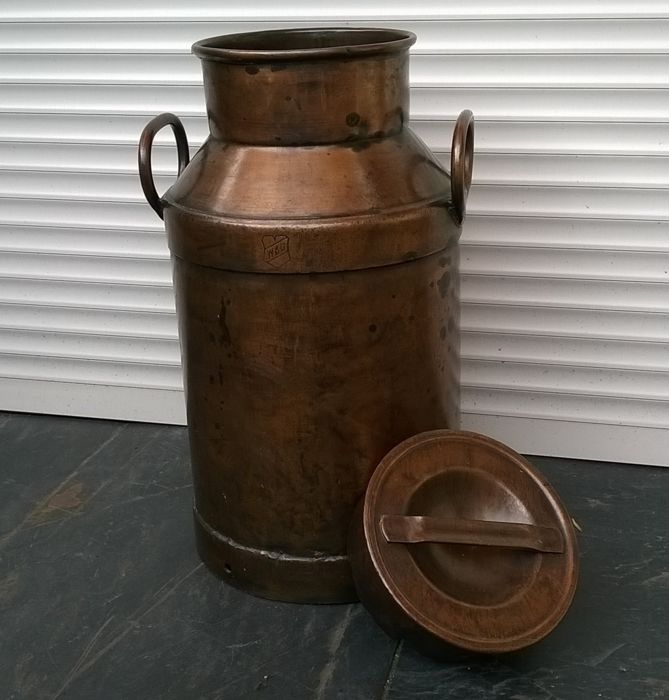 W.B.G. - WBG - Red copper old milk can (1) - Red copper Curio Kitchen Utensils & Tableware for sale