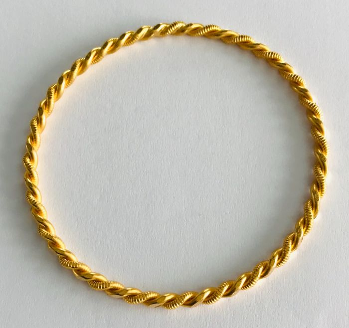 22 kt. Yellow gold - bangle
