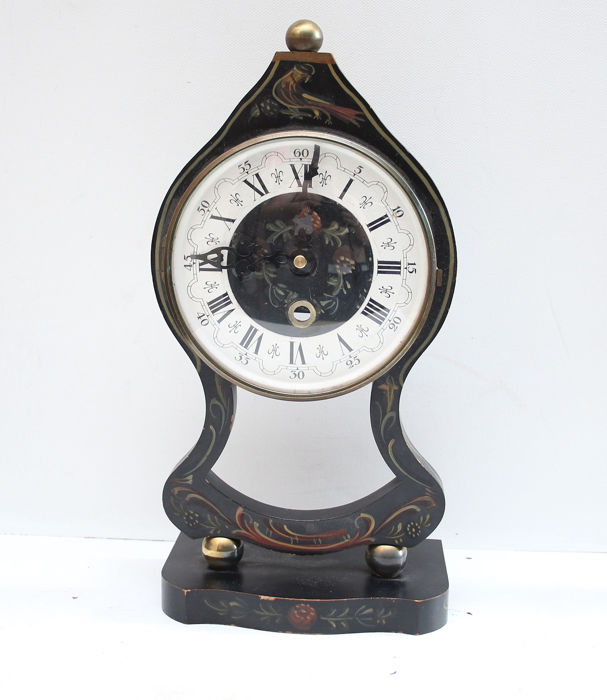 Antique clock in the Hindelooper painting style - Wood