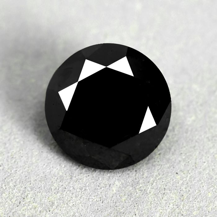 Diamond - 8.85 ct - Brilliant - Black - N/A