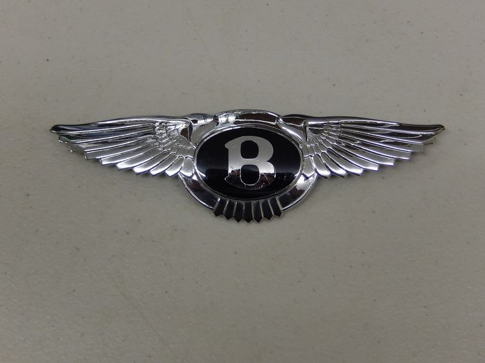 Insignia - Original Bentley Chrome and Enamel Bonnet Boot Badge - 1950-1970