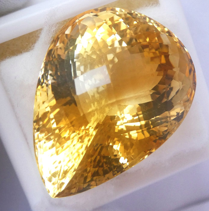 Citrien - 80.09 ct