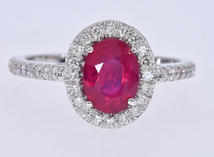 18 kt. White gold - Ring - 2.24 ct Ruby - Diamond