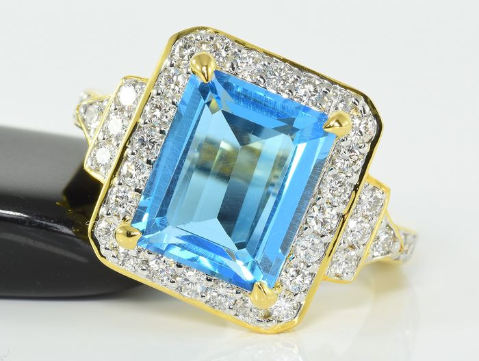 14 kt. Gold - Ring - 4.41 ct Topaz - 1.20 ct Diamond - VS2/SI1 - F/G - Like New!