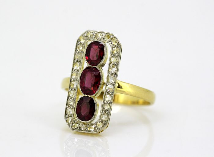 Art Deco - 18 kt. Yellow gold - Ring Ruby - Diamonds