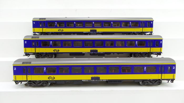 Märklin H0 - 4164/4165 - Passenger carriage - 3 Express train carriages ICR 1st and 2nd class with lighting - NS