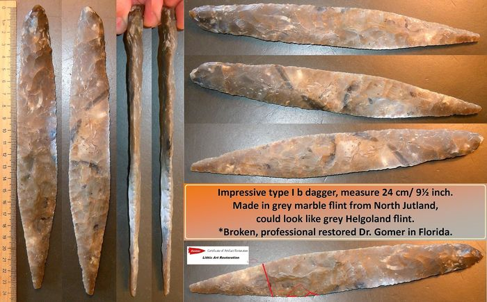 Prehistoric, Neolithic Flint XL Flintdagger type I, restored/broken. Measure 24 cm. Beautiful color. SUPERPIECE