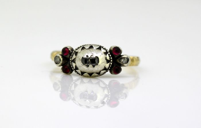Victorian - 15 kt. Silver, Yellow gold - Ring Diamond - Rubys