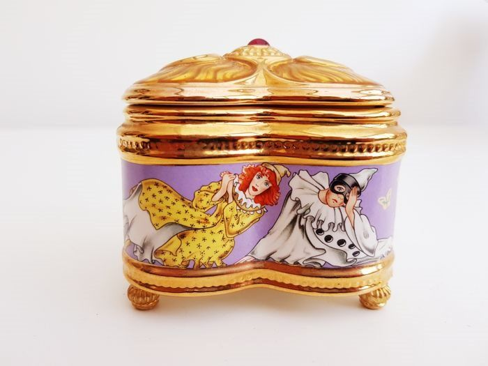 """House of Fabergé - """"Pulcinella"""" music and jewellery box - 24 Carat gold plated - Limited Edition - Marked on the bottom - Very, very good condition."""
