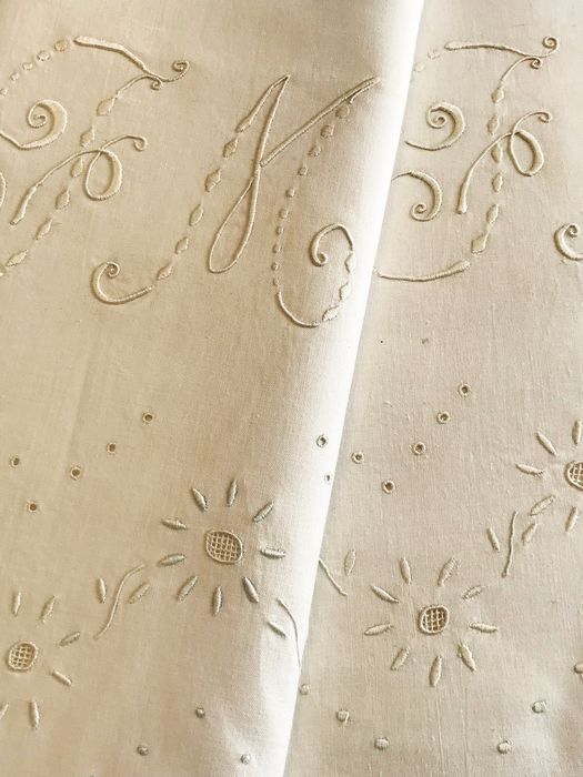 Old bed set, pillowcase and sheet, lovely embroidery. Monogram. Without - Fine cotton batiste.