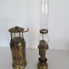 2 old copper lamps - Train lamp and mine lamp - Copper and glass
