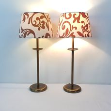 A pair of identical table lamps - Bronze / brass