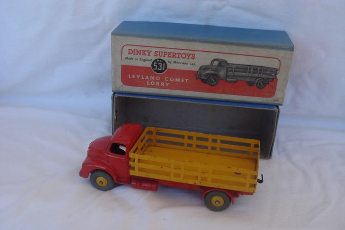 """Dinky Toys - 1:48 - Supertoys Original First Issue """"Leyland Comet"""" Lorry no.531 - In First Issue Original Supertoys Box - 1949"""