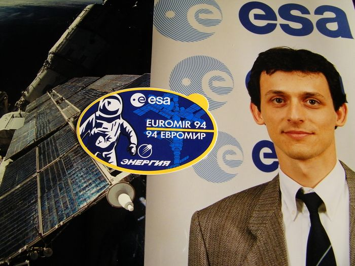 Spain in Space: Pedro Duque in Mir. Zes ESA foto' en sticker - Papier
