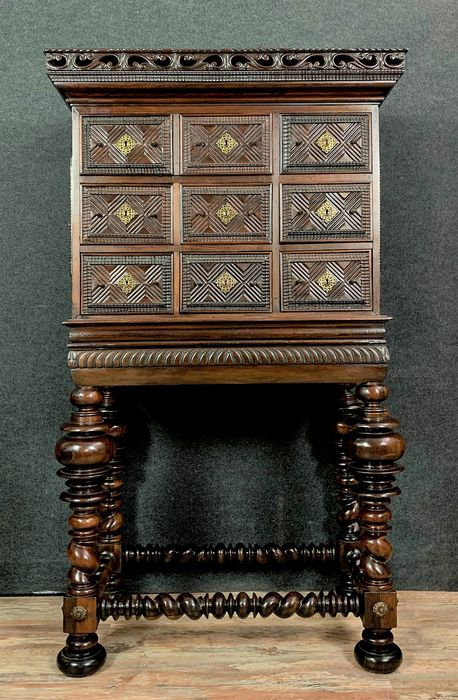 """""""Cabinet"""" on Stand """"Contador"""" - Rio rosewood - 17th / 18th century"""