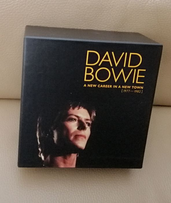 David Bowie - A New Career In A New Town (11 CD's), with a very rare Special Limited Edition Book with hard cover - Deluxe edition, Limited box set, 11 x CD album box set - 2017/2017