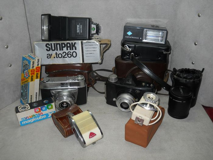 Kodak AGFA - lot d, old cameras + accessories (10) - Modern