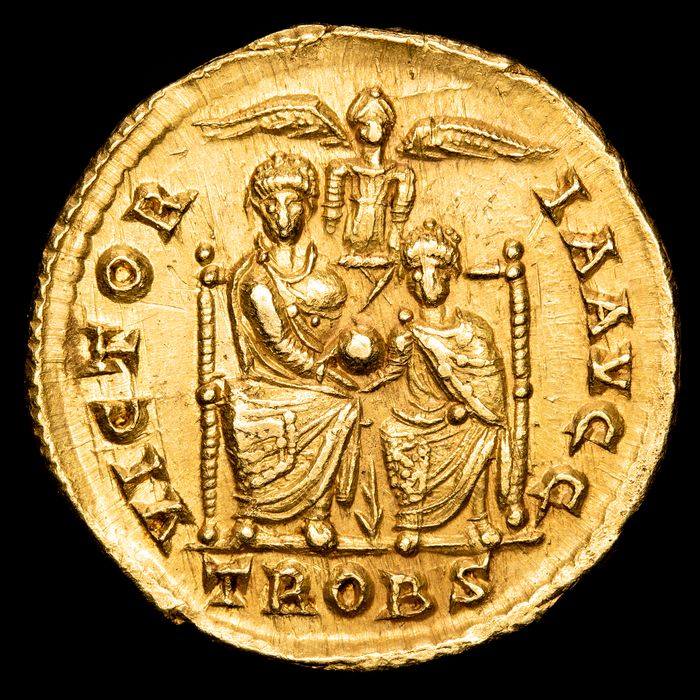 Empire romain - Solidus - Valentinianus II (375-392 A.D) - Trier. 378-383 A.D. - VICTOR-IA AVGG, Theodosius and Valentinian. - Or
