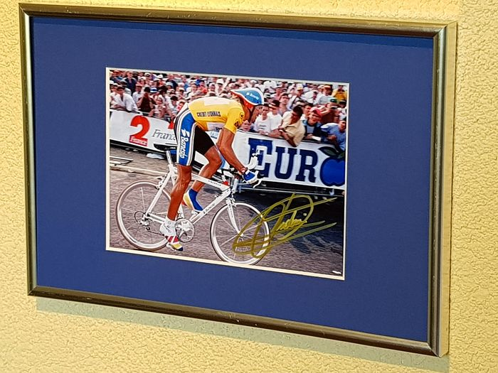 Banesto - Cycling - Miguel Indurain - 5x Tour de France winner - Hand signed framed photograph