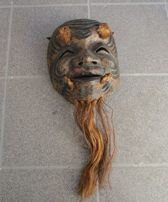 Noh mask - Wood, Straw - Okina 翁 - With craftsman seal - Japan - First half 20th century