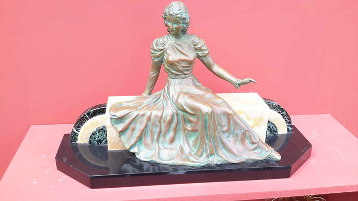 Limousin - Seated lady - Art Deco sculpture
