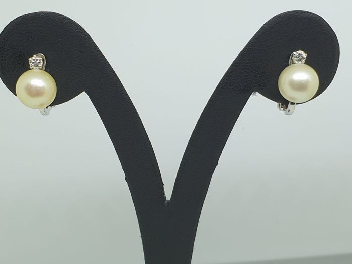 18 kt. Akoya pearls, White gold - Earrings - 0.12 ct Diamond
