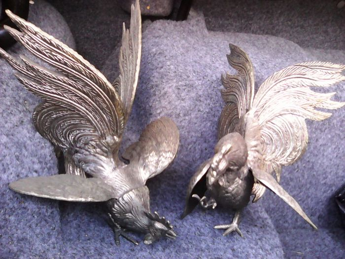 Figurine(s) (2) - Bronze (gilt/silvered/patinated/cold painted)