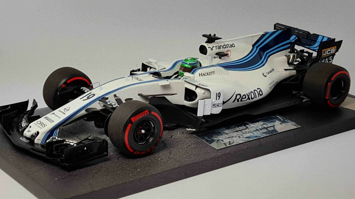 Williams FW40 Mercedes  Massa  Last GP  Formel 1 Abu Dhabi 2017  1:18 Minichamps