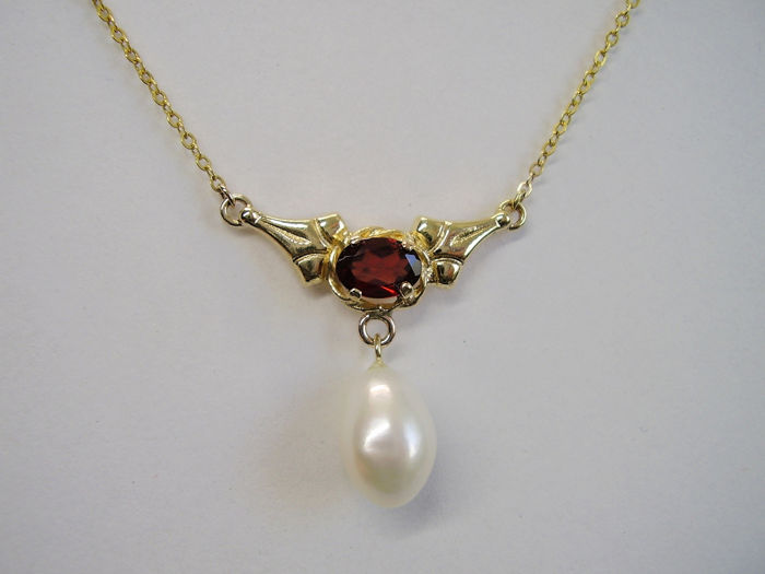 8 kt. Yellow gold - Necklace - 0.80 ct Garnet - Pearl