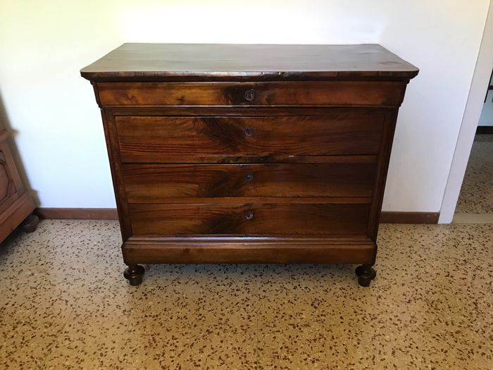 Dresser - Louis Philippe - Walnut - First half 19th century