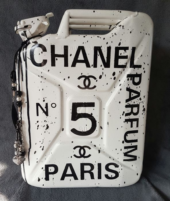 Moontje - Chanel 20 Ltr Jerrycan White Edition