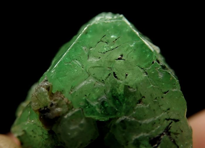 Natural Green Tsavorite Crystal 42,85ct - 17.24×16.7×16.85 mm - 8.57 g