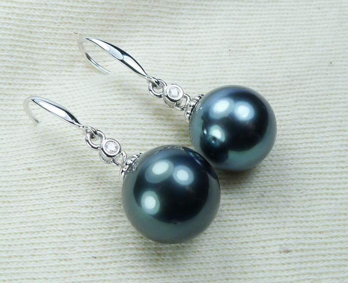 11.9 mm Tahitian pearls - 14 kt. White gold - Earrings - Diamonds