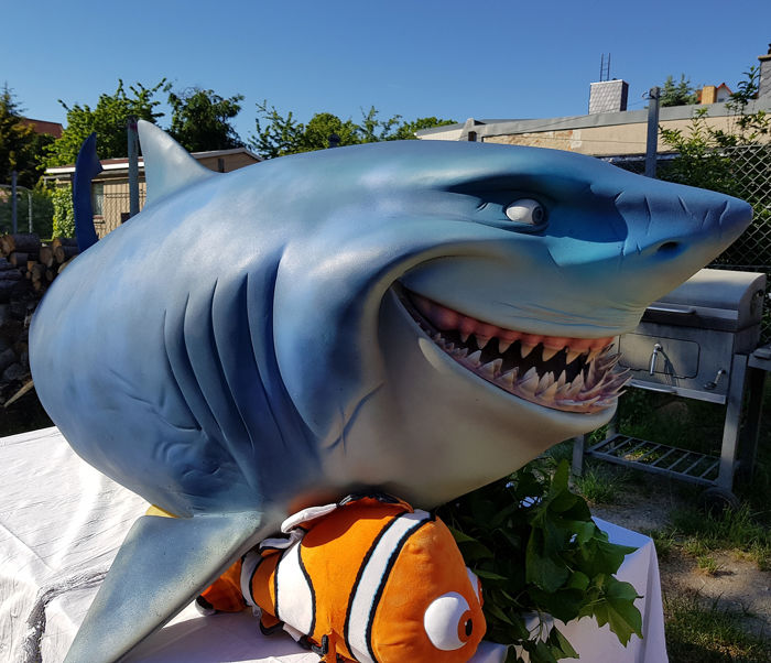 Disney - Pixar - Finding Nemo (2003) - Bruce the Shark Large Prop figure -  300 cm long  - Used for promotion purposes