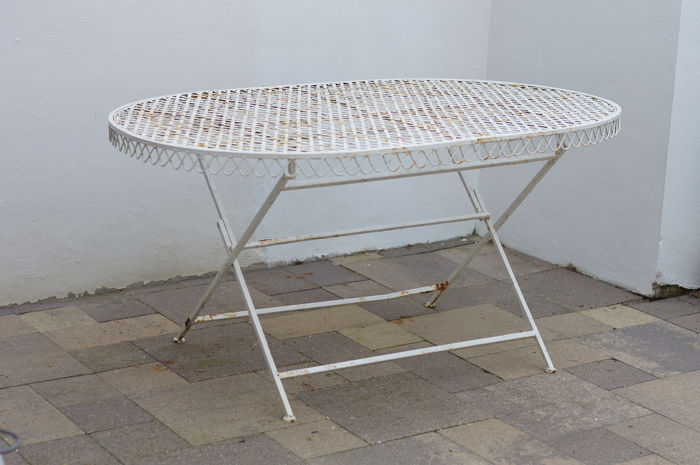 Foldable Garden Table for a group of 6 - iron - mid 20th century