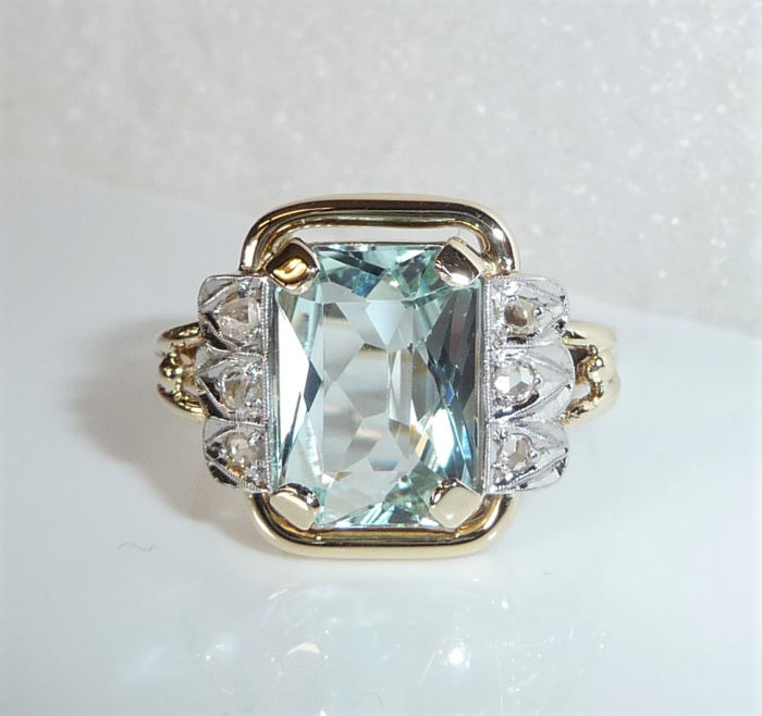 15 kt. Gold - Antique handmade -, Ring 4.5 ct. Aquamarine eye-clear