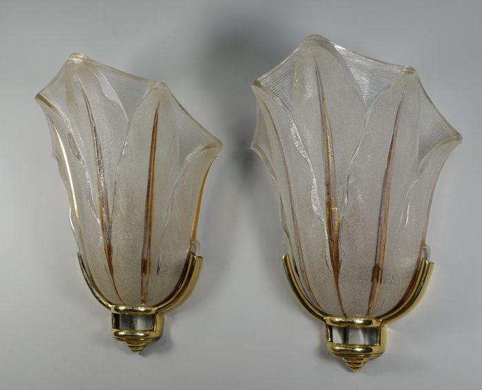 Ezan - a pair of Art Deco wall lights, sconces