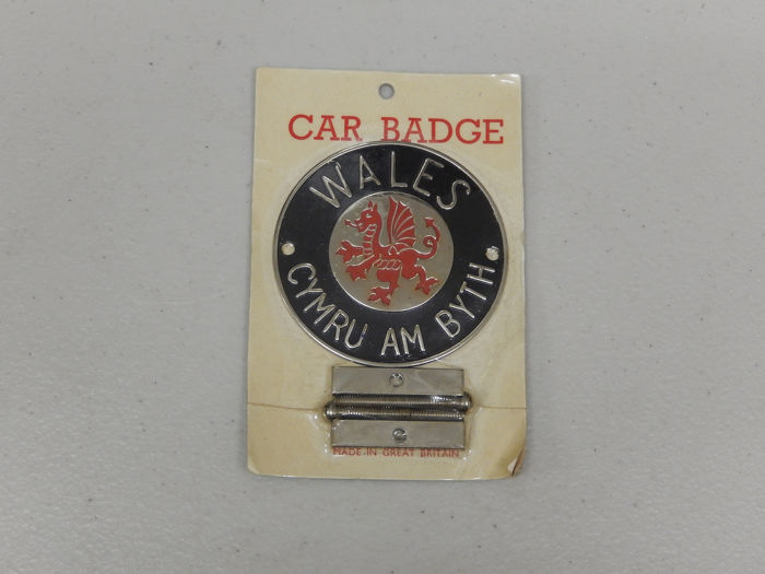Badge - Vintage Original Sealed New Wales Dragon Symbol Car Badge Auto Emblem - 1990-1980