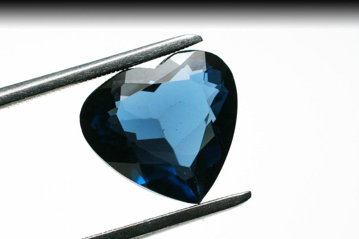London Blue Topaz - 4.12 ct