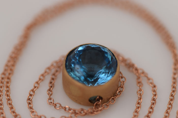 14 kt. Pink gold, Yellow gold - Necklace - 3.38 ct Swiss Blue Topaz