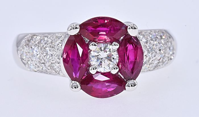 White gold - Ring - 1.79 ct Ruby - Diamonds