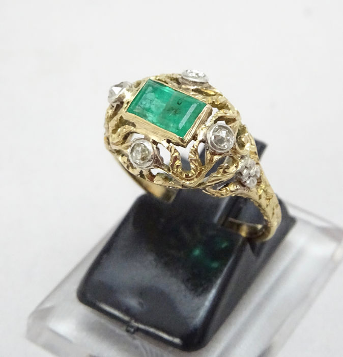 18 quilates Oro amarillo - Anillo - 0.80 ct Esmeralda - Diamante