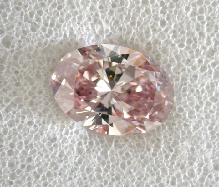 1 pcs Diamant - 0.31 ct - Oval - fancy brown pink - SI1